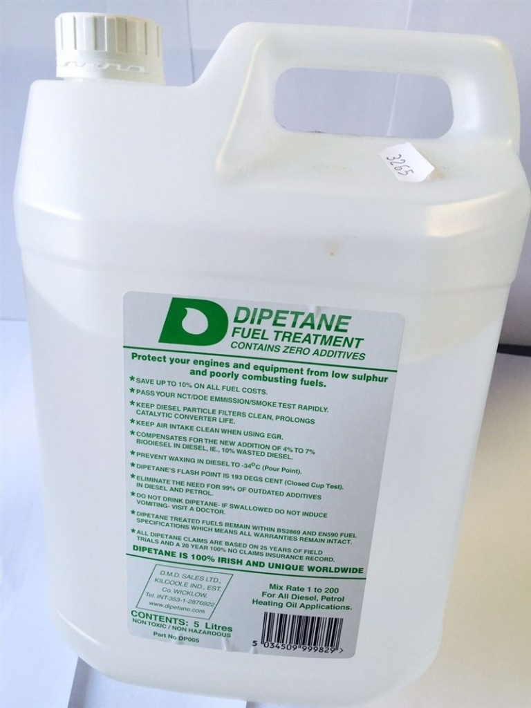 Dipetane fuel additive